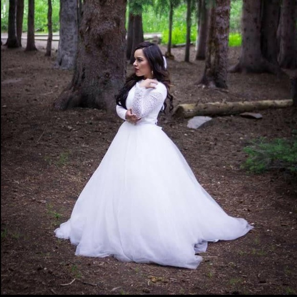 Dresses & Skirts - 26W Wedding Dress Long Sleeves Lace Wedding Gown